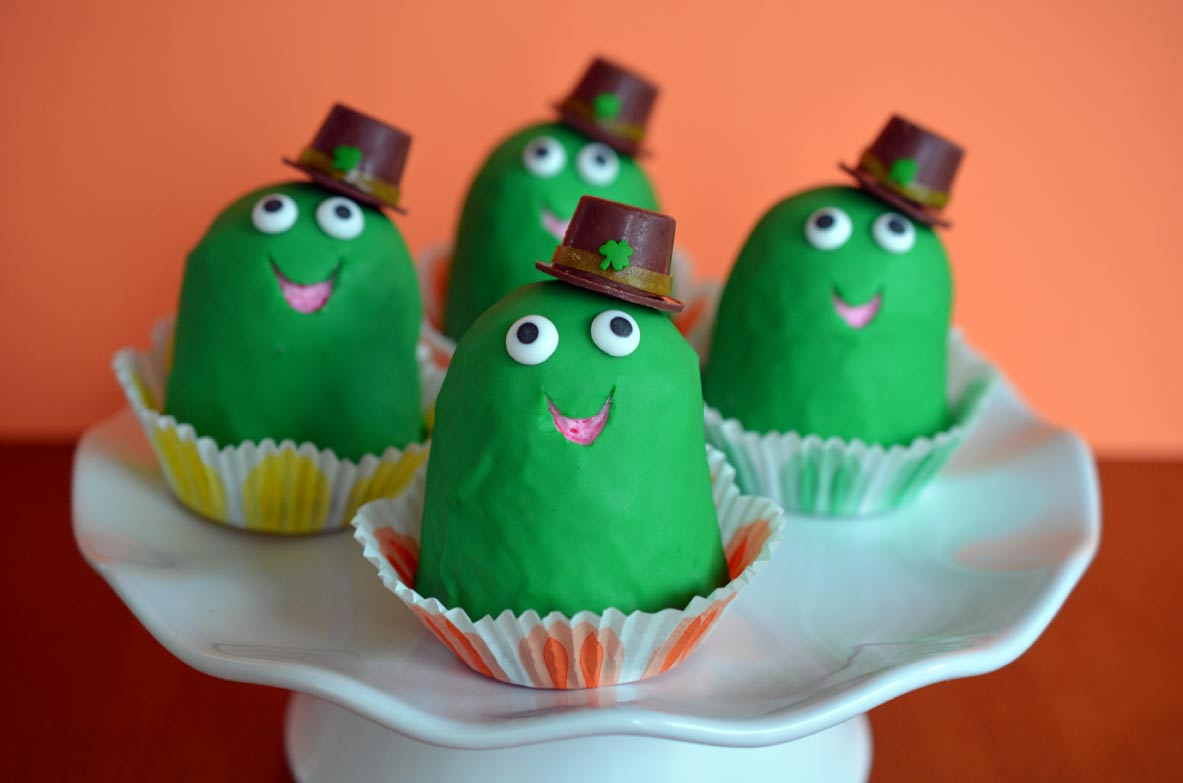 Leprechaun Frog Cupcakes