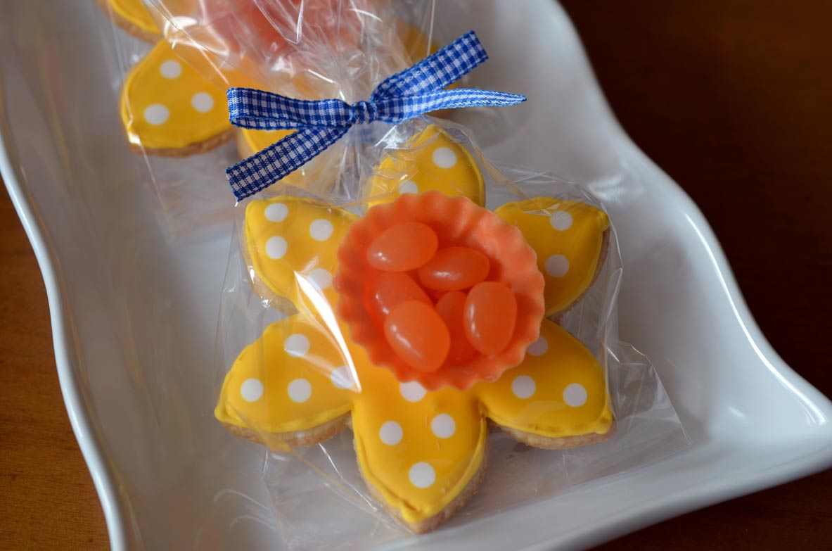 Packaged Daffodil Cookie