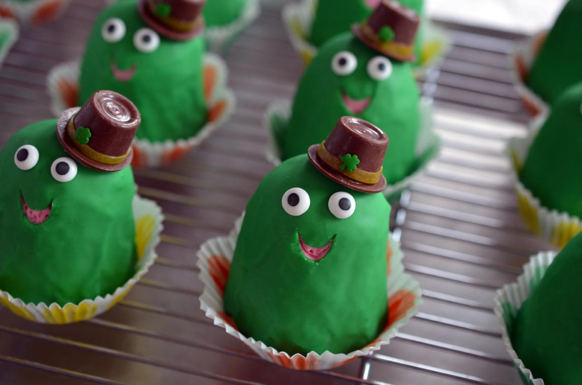 Happy Frog St. Patty's Day Cupcakes