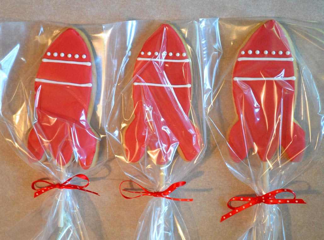 Rocket pop cookies with ribbons