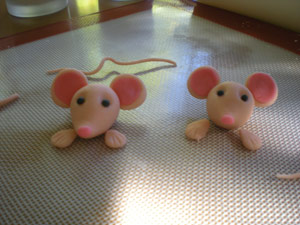 Sculpted Fondant Mice