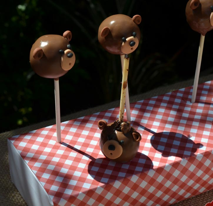 Melted teddy bear cake pop