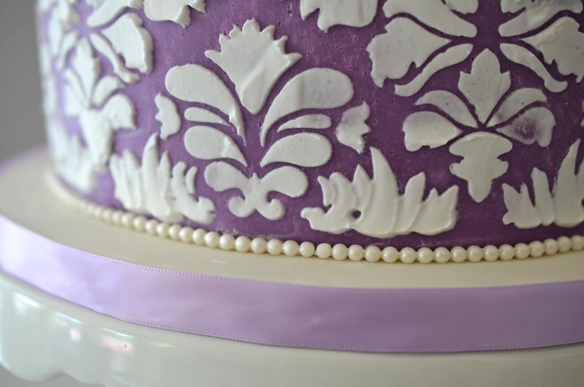 Gumpaste pearl border